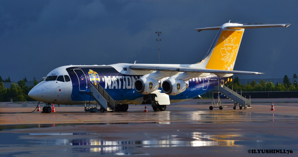 My favorite aircraft Avro with a very nice livery for the Swedish Football Association.
