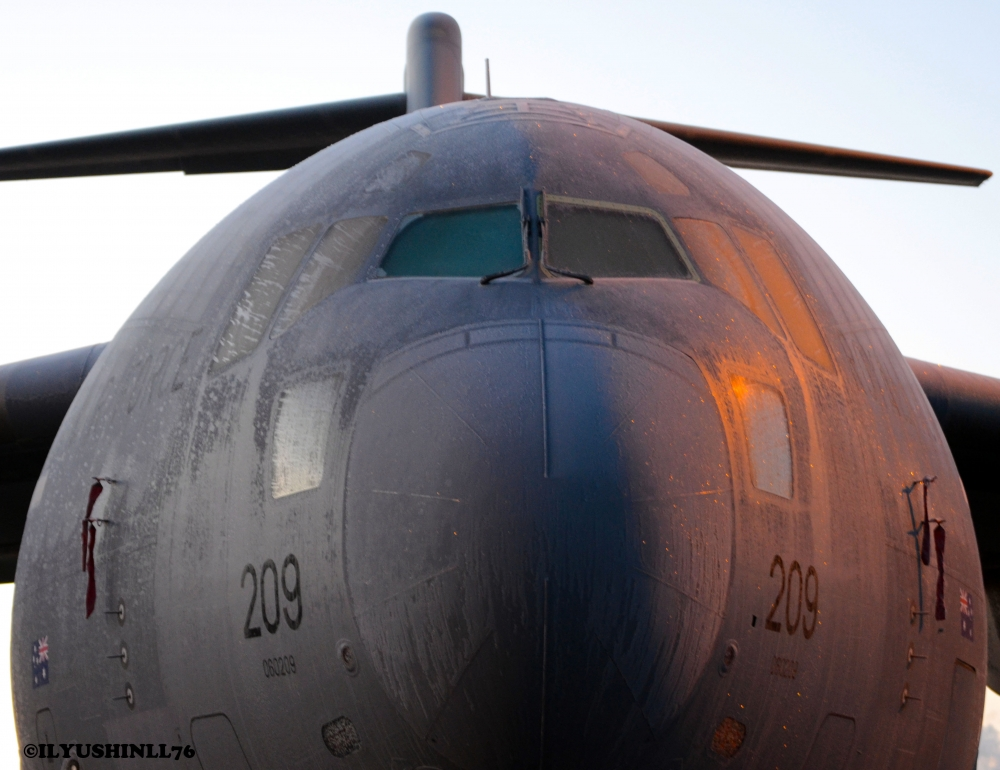 A rare, frozen bird at GOT, Globemaster C 17 from the Royal Australian Air Force.